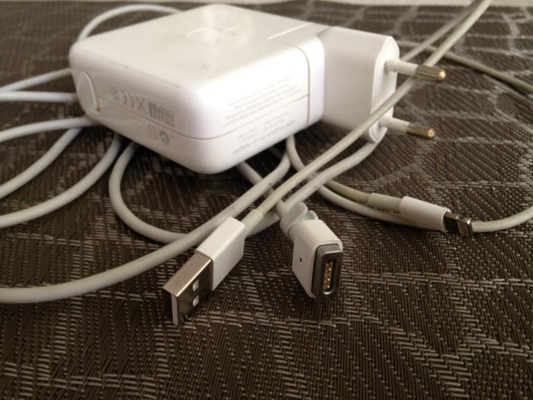 Как правильно сворачивать кабели Apple